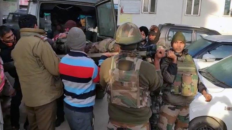Kashmir: 2 Army jawans martyred in Nowshera encounter
