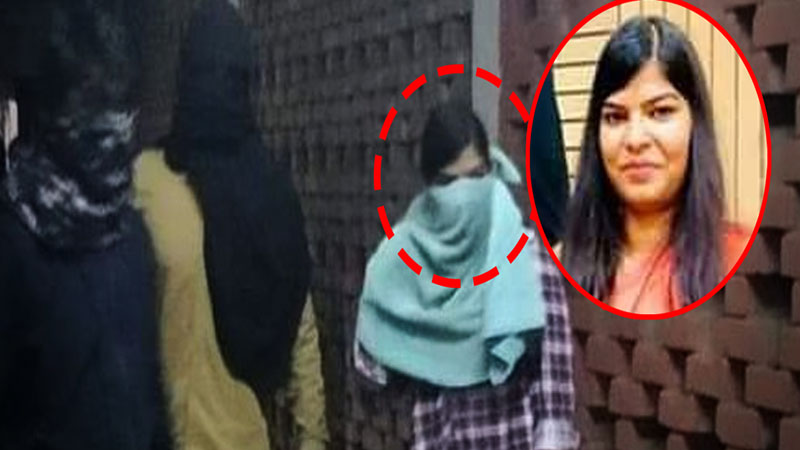 JNU attack: masked woman in photo is not me Komal Sharma to NCW
