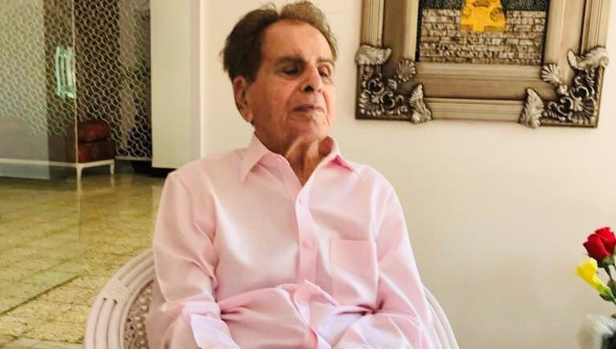 Netizens troll Journalist after he asks if Dilip Kumar will be buried or cremated