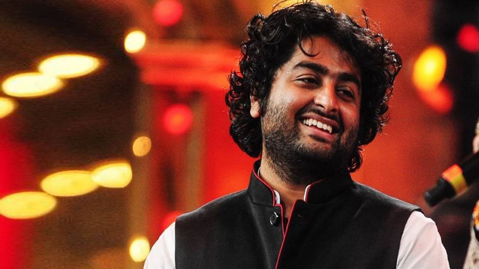 'King of Music': Fans rejoice as Arijit Singh completes a decade in B'wood