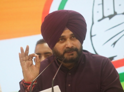 Navjot Sidhu hits out at Kejriwal, says 'Delhi Govt wants Punjab's power plants to shut down'