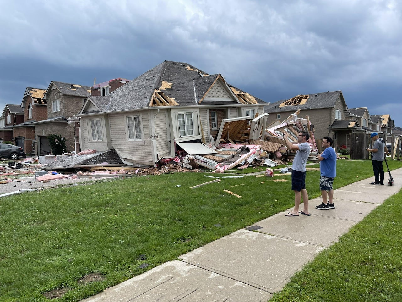 Tornado rips through Ontario leaving nine injured, heavy property damage reported