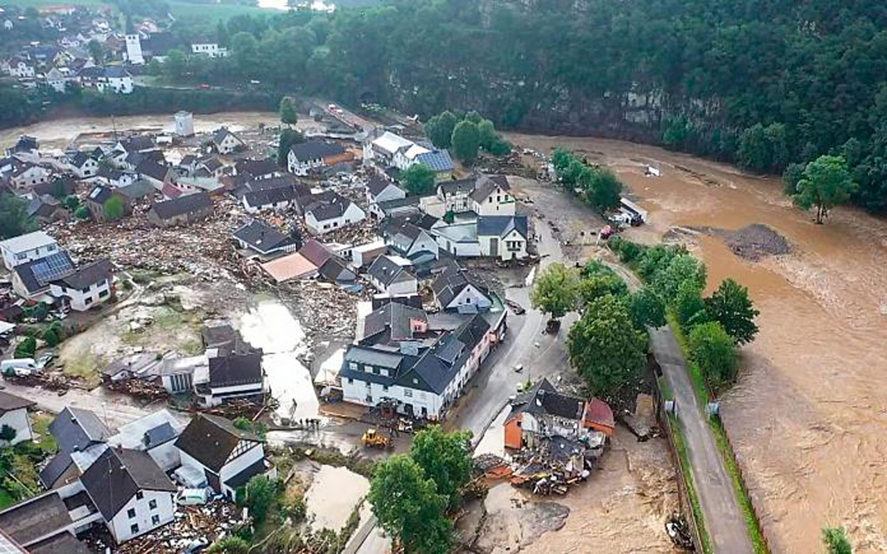 Catastrophic floods claim 120 lives in Germany & Belgium, Severe property damage reported