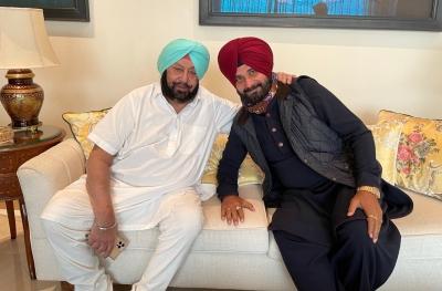 Punjab Congress Crisis: Capt Amarinder demands apology from Sidhu, refuses meeting