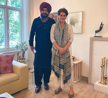 Navjot Sidhu to assume office on Friday, Priyanka Gandhi likely to attend function