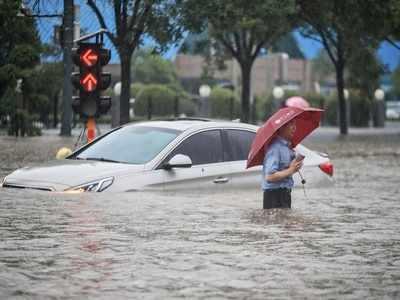 Floods in China: 25 dead in Zhengzhou metro, landslides