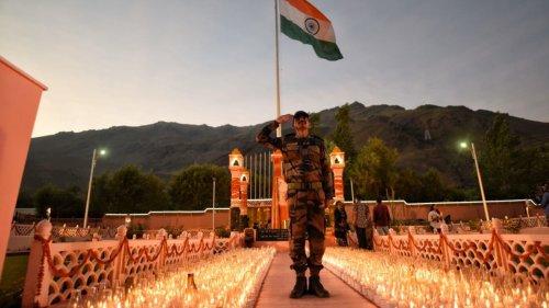 Kargil Vijay Diwas 2021: India remembers fallen heroes, 559 lamps lit in Ladakh