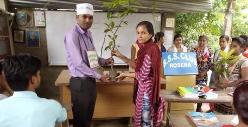 FirstStoryPositive: This Bihar's coaching centre takes 18 saplings as fee from students