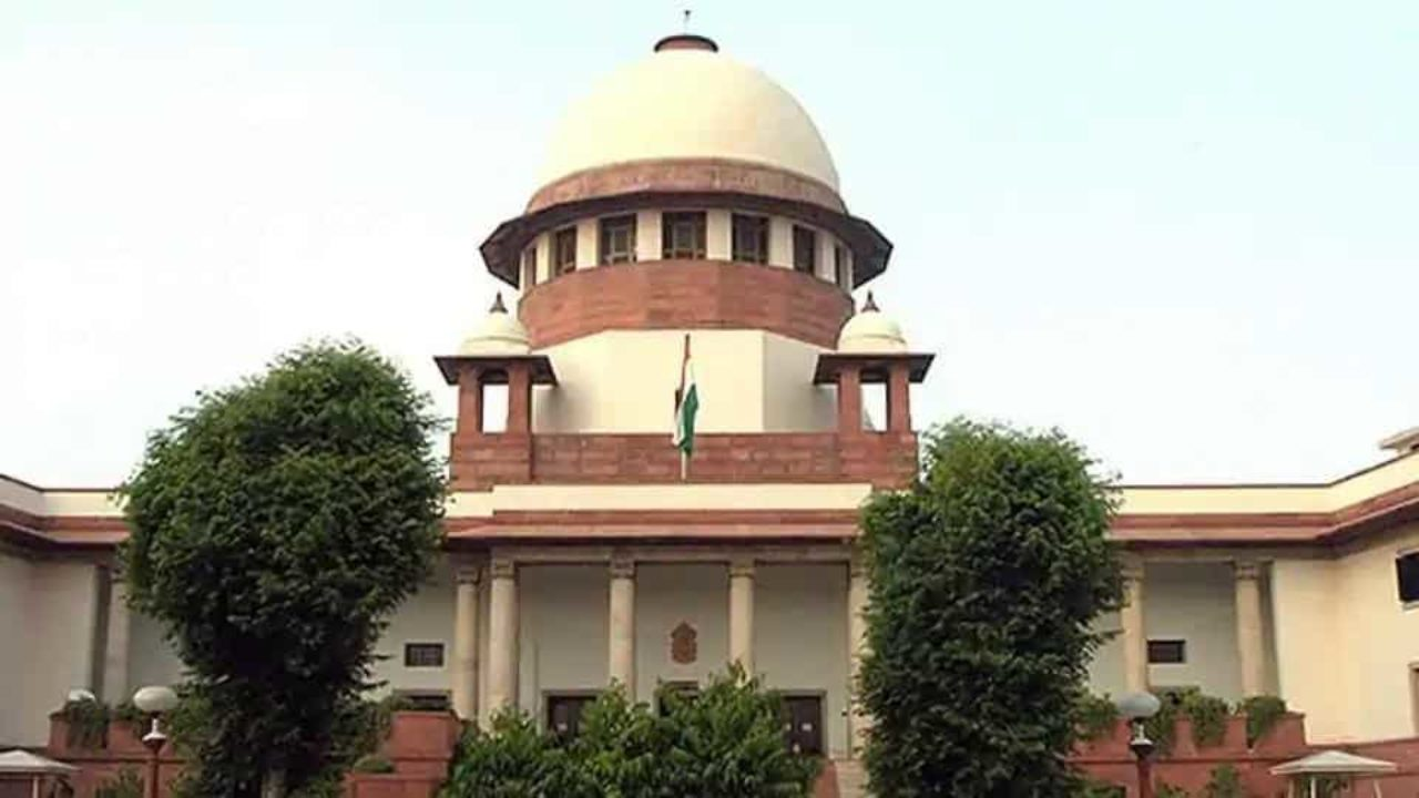 SC slams Gujarat govt on safety rules, says 'we are killing people with fire'