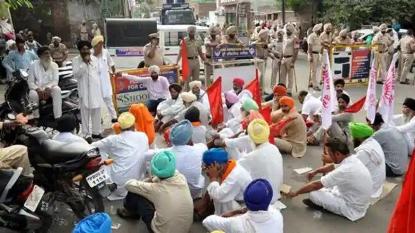 Punjab & Haryana farmers to block highways for 2 hrs today against 'Police Lathicharge', check details