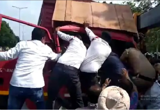 Two trucks full of cash collide in Chandigarh, female constable trapped in the middle