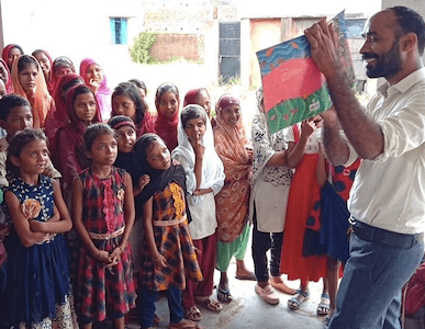 FirstStoryPositive: Meet Jharkhand Scientist Who Quits High-Flying Job To Innovate Teaching Model In Village