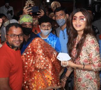 Ganesh Chaturthi 2021: Shilpa Shetty Welcomes Home Lord Ganesha Idol With A Smile; See PICS