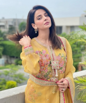 Warrants issued against 'Hindi Medium' actress, Pak stars Saba Qamar, Bilal Saeed