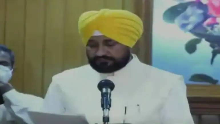Charanjit Singh Channi sworn-in as Punjab's first Dalit CM amid Congress scuffle; Rahul Gandhi attends