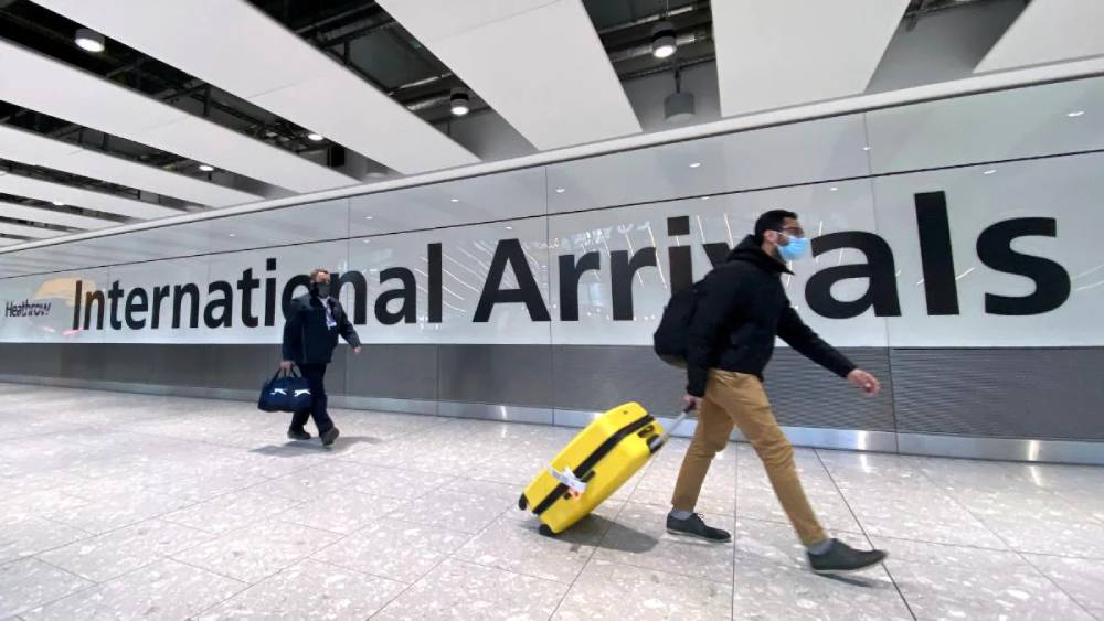 Indians bash UK's new vaccine-linked travel curbs; call it 'racist'