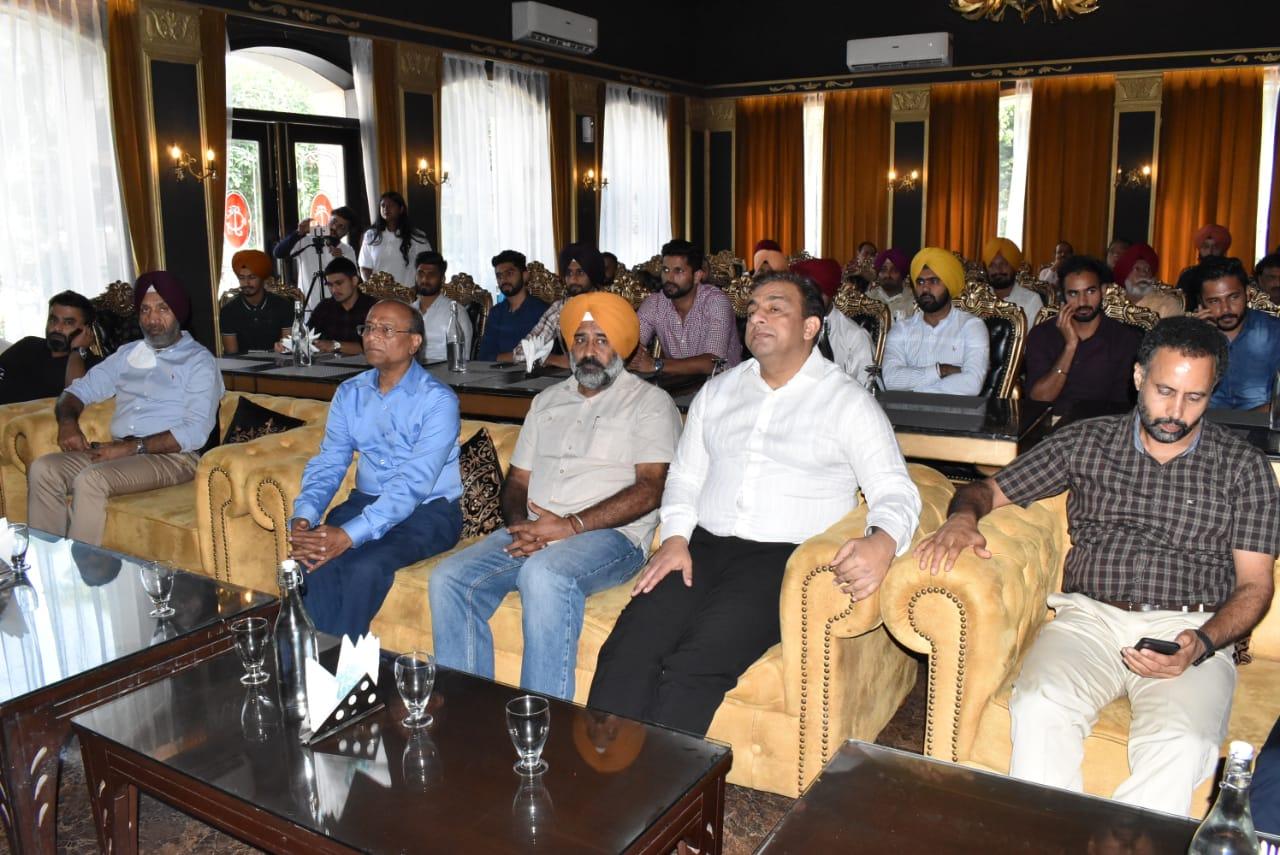 Hockey Punjab honours Olympic medal winner hockey players