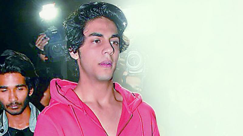 Know how SRK's son Aryan was detained? Checkout the full story behind NCB surprise raid