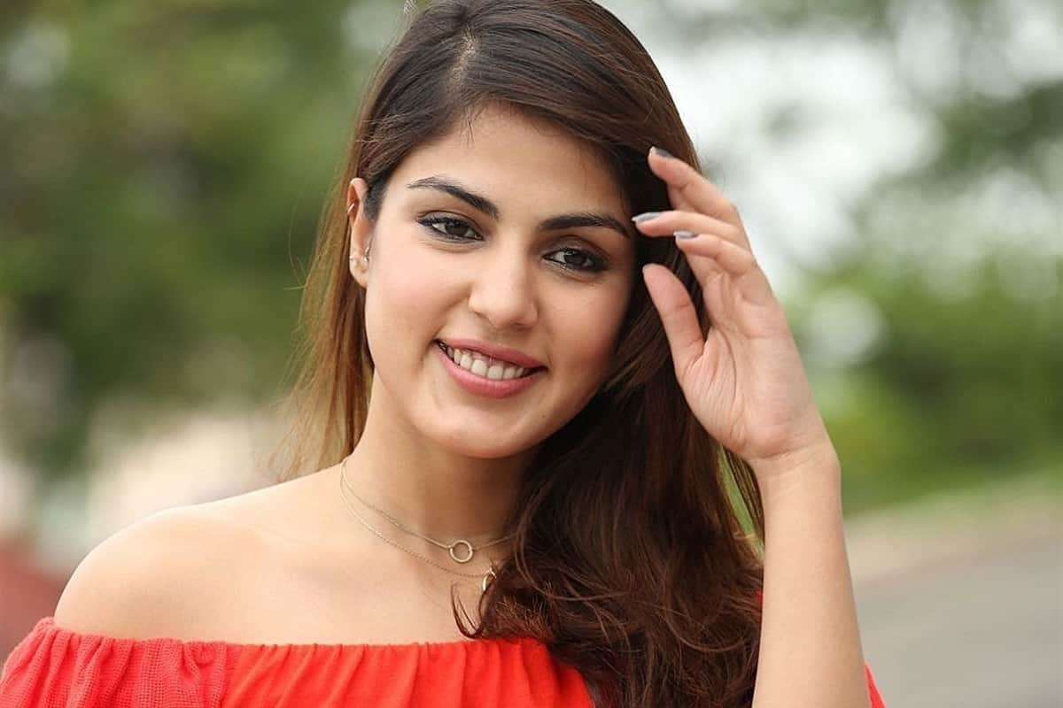 Rhea Chakraborty reacts to the rumours of her participation in Bigg Boss 15, read post