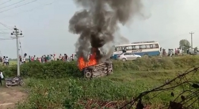 """One who is silent after seeing 'inhuman massacre' is dead,"" tweets Rahul Gandhi after violence in UP's Lakhimpur-Kheri"