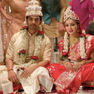 Gurmeet Choudhary, Debina Bonnerjee Tie The Knot Again After 10 Yrs in a Bengali Wedding