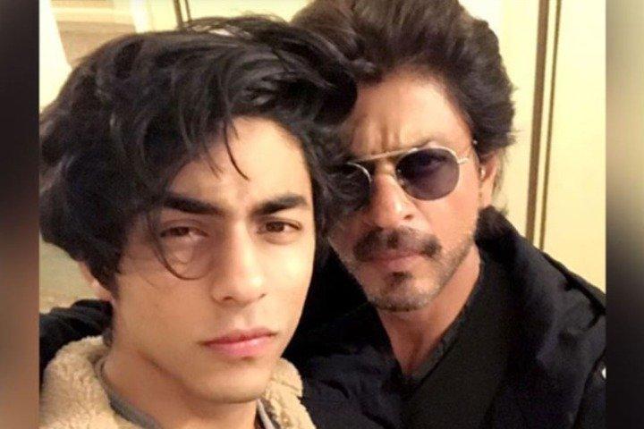 The tables turned, SRK takes NCB permission to meet son Aryan Khan