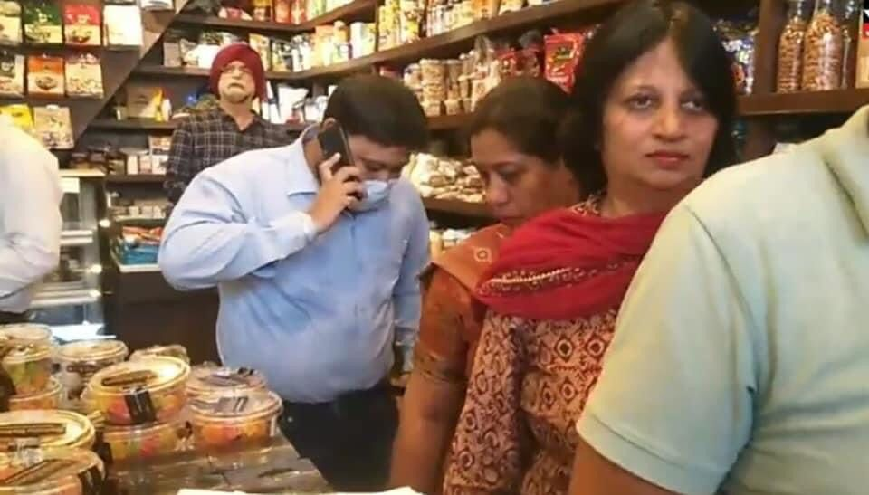 Joint Commisioner MCJ along with Health Dept conducts surprice check at Cake House Jalandhar