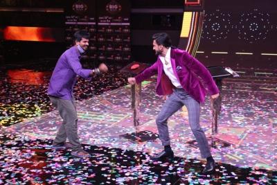 Deepika my 'creative bouncing board', says Ranveer at show launch