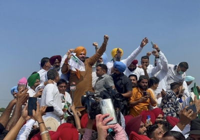Punjab Deputy CM, Sidhu, Pargat Singh among other cabinet ministers detained on UP border