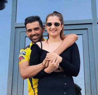 IPL 2021: Deepak Chahar proposes his girlfriend Jaya after CSK vs PBKS match