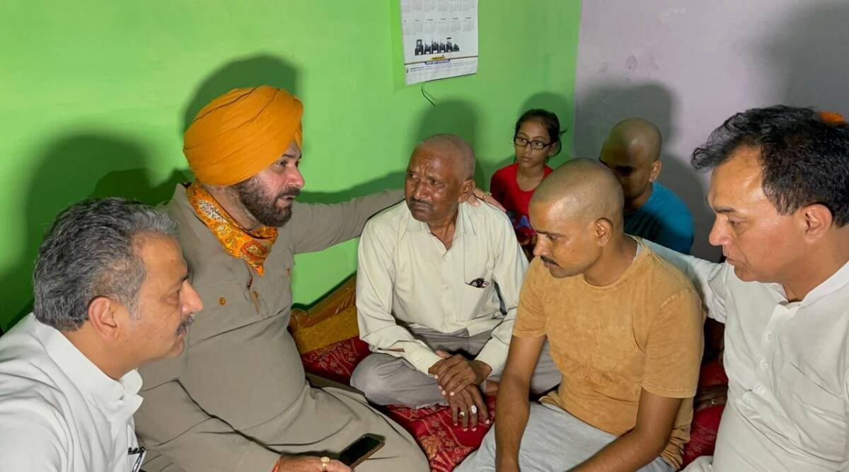 Navjot Sidhu ends hunger strike as minister's son appear before crime branch