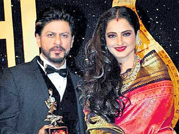 Birthday special: When Rekha got emotional speaking about SRK, used Shayari by Gulzar to describe him