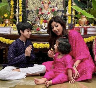 Watch: Shilpa Shetty twinning with Viaan, Samisha perform Navaratri puja, Raj Kundra missing