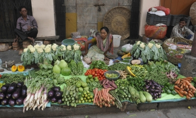 Lower food prices ease India's Sep retail inflation to 4.35%
