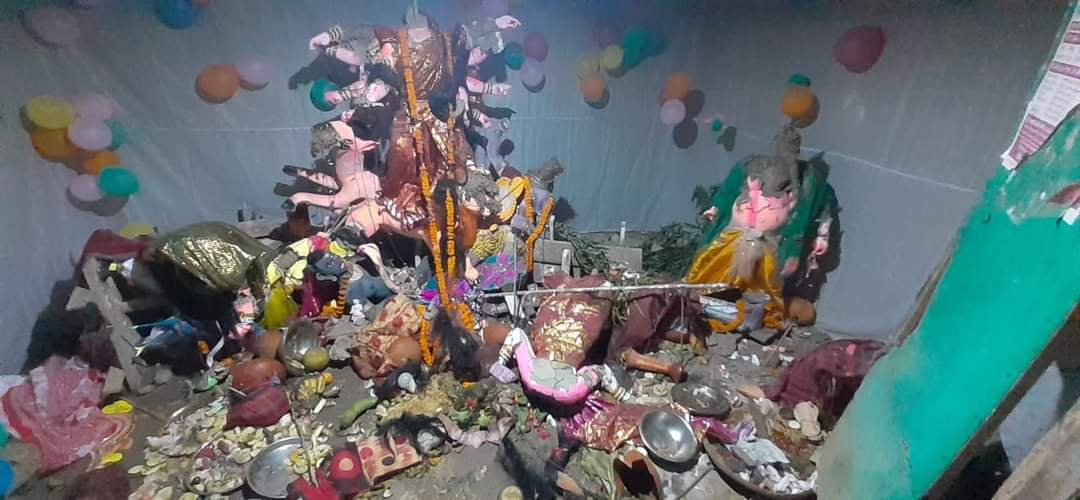 Religious extremists vandalise Durga Puja Pandal in Bangladesh after bogus Facebook post went viral; three reported dead