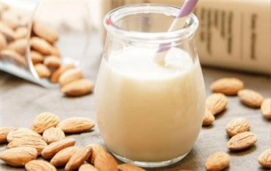 Beware: Is your Almond Milk healthy? The Industry is killing billions of bees in the process