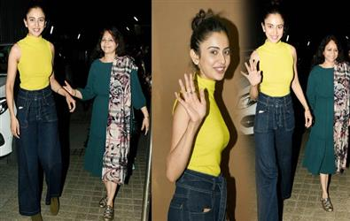 See Pics: Rakul Preet spotted with her mother outside a theatre in Mumbai