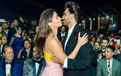 Filmfare Awards 2020: Ranveer Singh wins best actor, Alia Bhatt best actress. Full List of winners