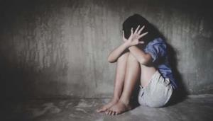 UP minor alleges rape by father and politicians